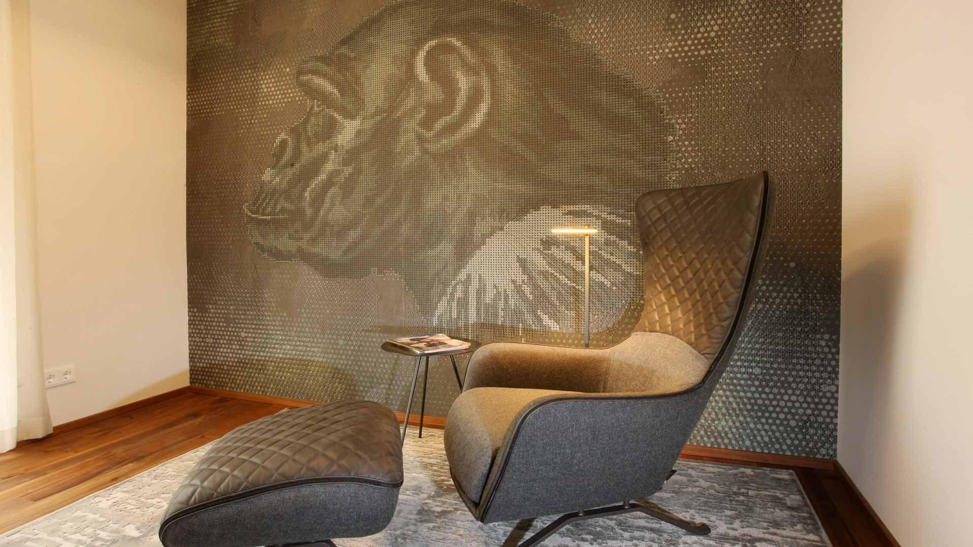 Sofa Arketipo | Beleuchtung Artemide | Fenstergestaltung Zimmer&Rohde | Beistelltische MORE | Teppich Mischioff