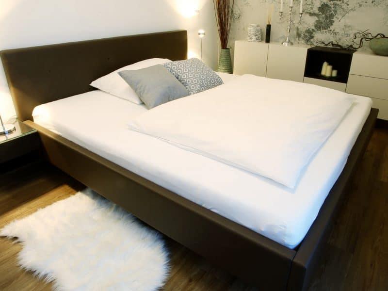 Schlafzimmer HAAS | Tapete Wall&Deco | Licht OCCHIO